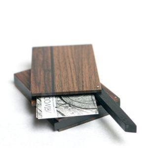 Holz Visitenkartenetui dunkel handgefertigt