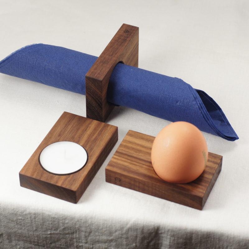 Ob Teelichthalter, Serviettenring oder Eierhalter. Frieda aus Walnussholz kann alles.