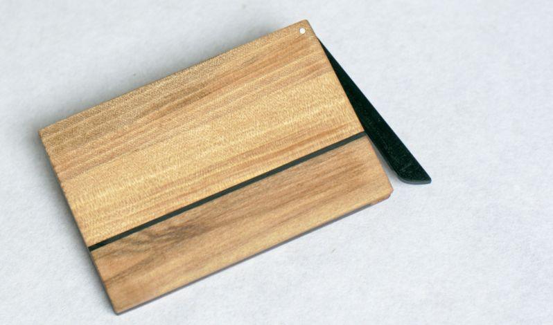 Visitenkartenetui-Holz-Nussbaum-Satin-geoelt