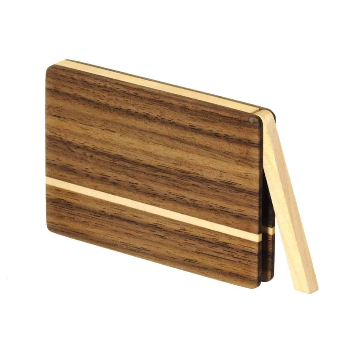 Visitenkartenetui aus Holz. Nussbaum dunkel. Modell »Akemi« in abgerundeter Form