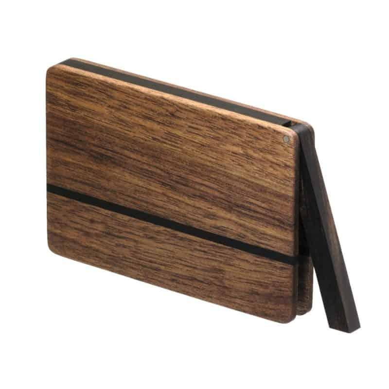 Visitenkartenetui aus Holz. Nussbaum dunkel. Modell »Leyla« in kantiger Form.