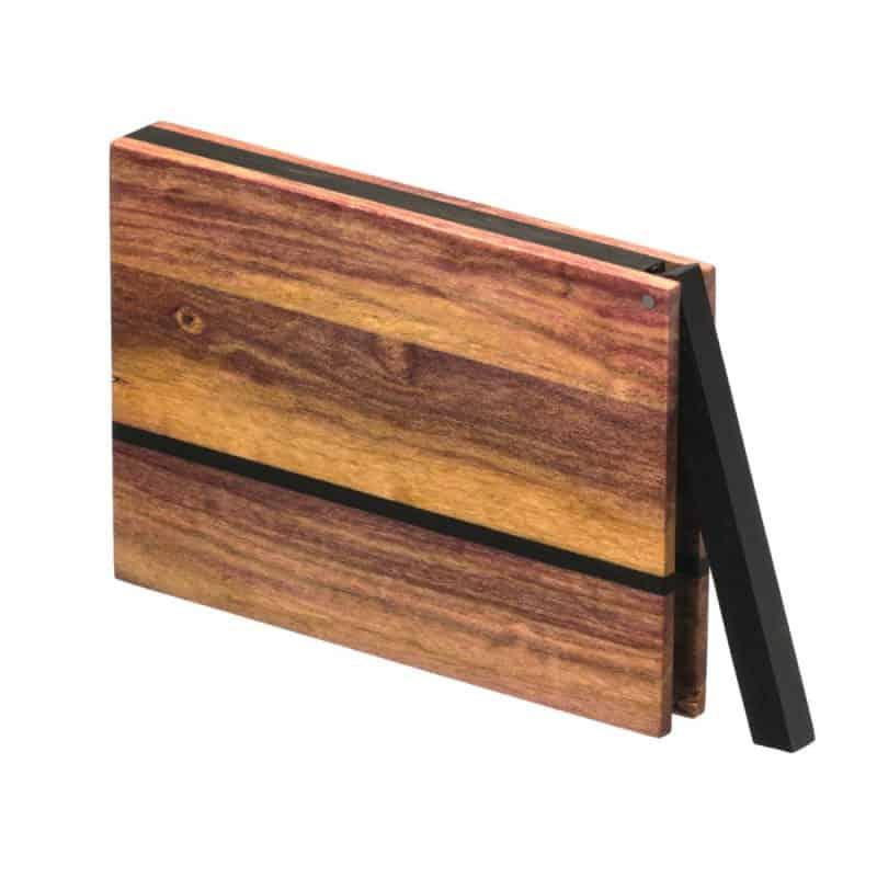 Visitenkartenetui aus Holz. Farbige Zwetschge Modell »Zahira« in kantiger Form.