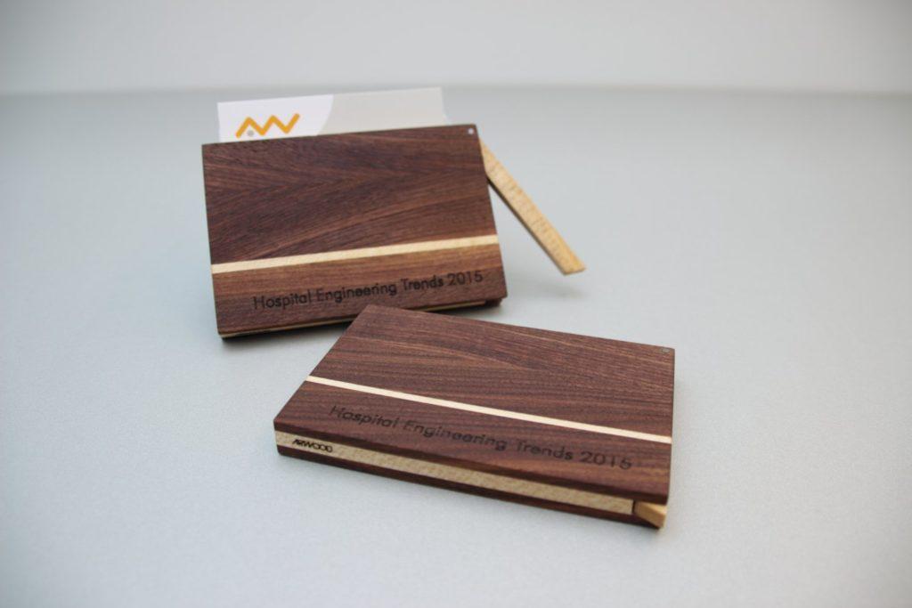 Hochschule OTH Visitenkarten Etui Holz