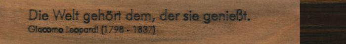 Namensgravur auf »Vita« Schriftart Futura