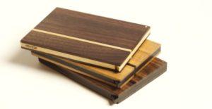 Holz Visitenkartenetui Vita Branca mit geoelter Oberflaeche