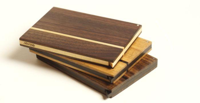 Holz Visitenkartenetui Akemi mit geoelter Oberflaeche