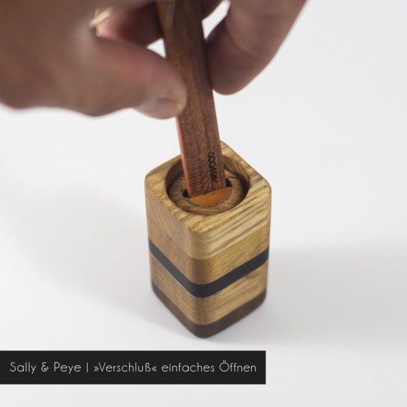 Salz und Pfefferstreuer mit Verschluß aus Holz