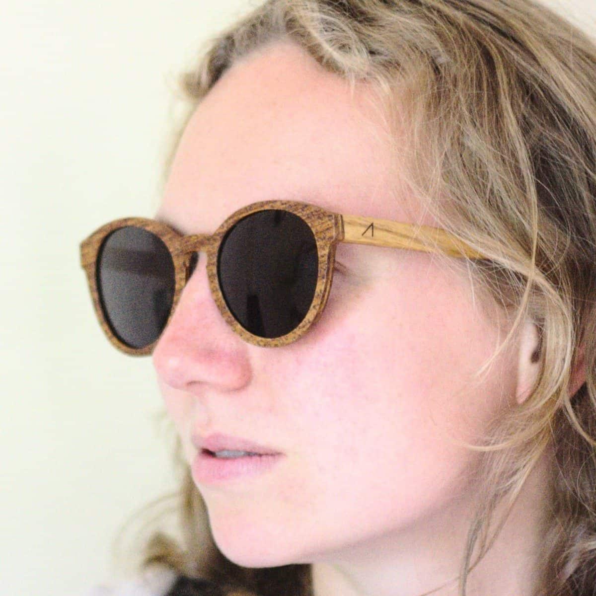 Sonnenbrille aus Holz von ARTWOOD. Modell »Leonie«