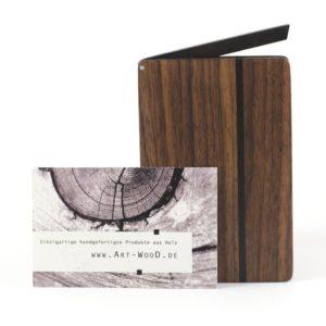 Visitenkartenetui aus Nussbaumholz in abgerundeter Form »Leyla rondo«