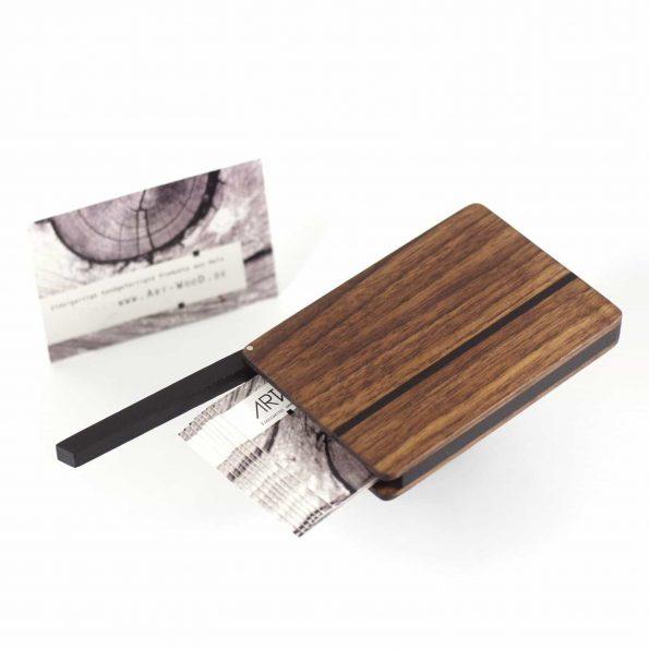 Visitenkartenetui aus Nussbaumholz in abgerundeter Form Modell «Leyla rondo«