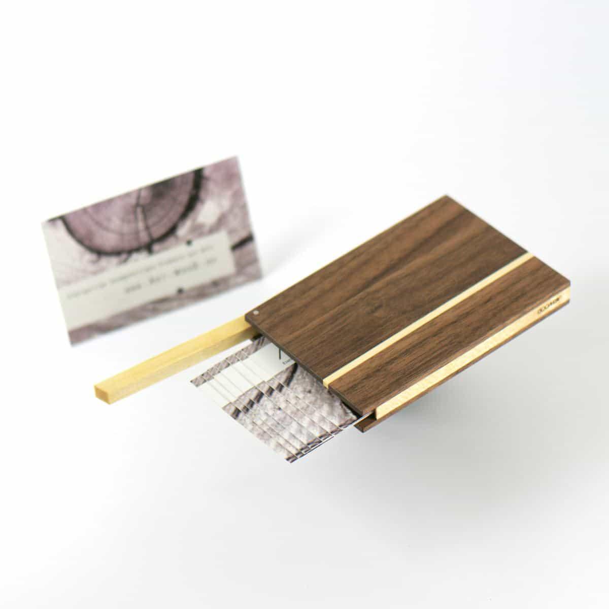 Holz Visitenkartenetui Akemi Art