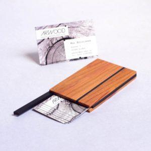 Visitenkartenetui Zwetschgen Holz mit geölter Oberfläche