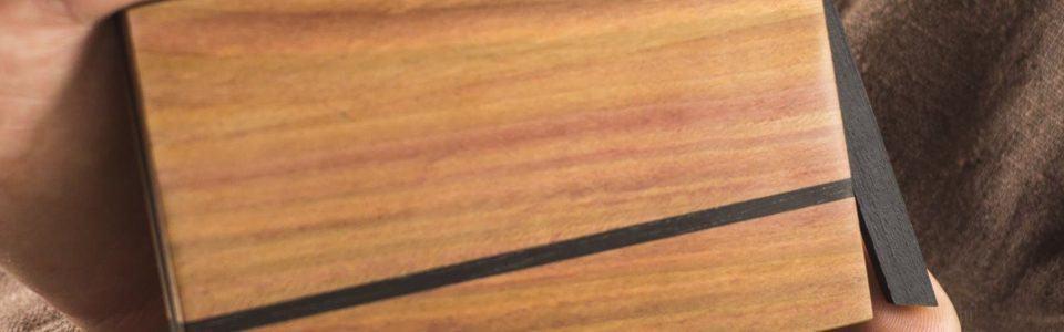 Visitenkartenetui Design aus Zwetschgenholz